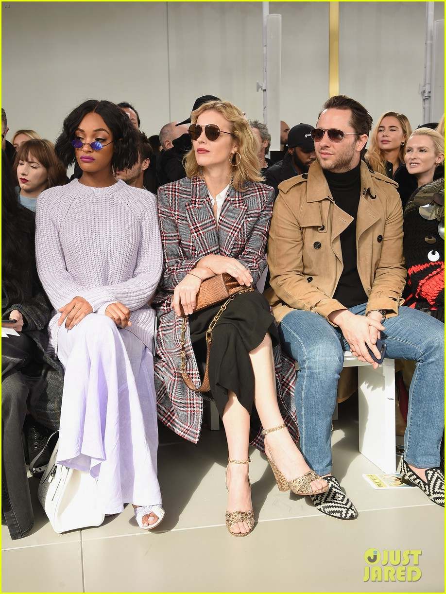 blake lively emily blunt zendaya buddy up at michael kors collection nyfw runway show 084032945