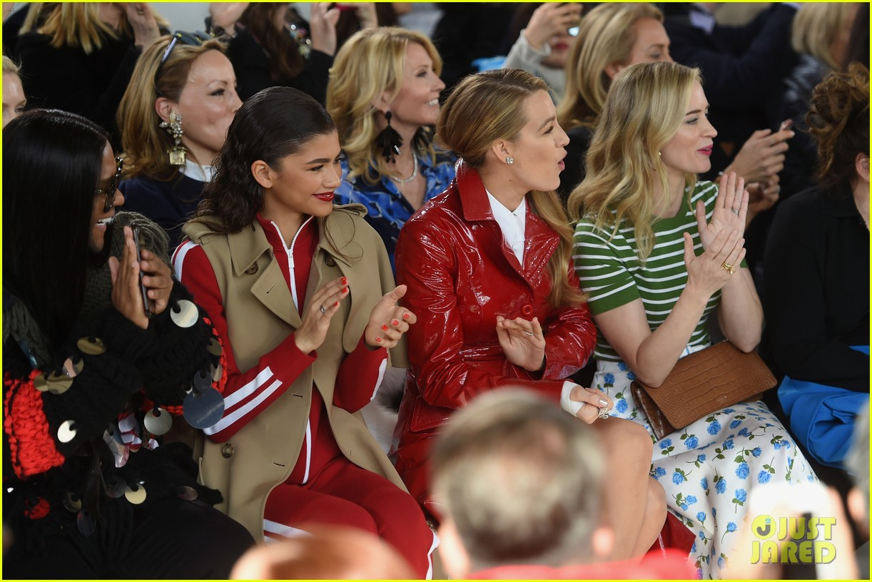 blake lively emily blunt zendaya buddy up at michael kors collection nyfw runway show 204032957
