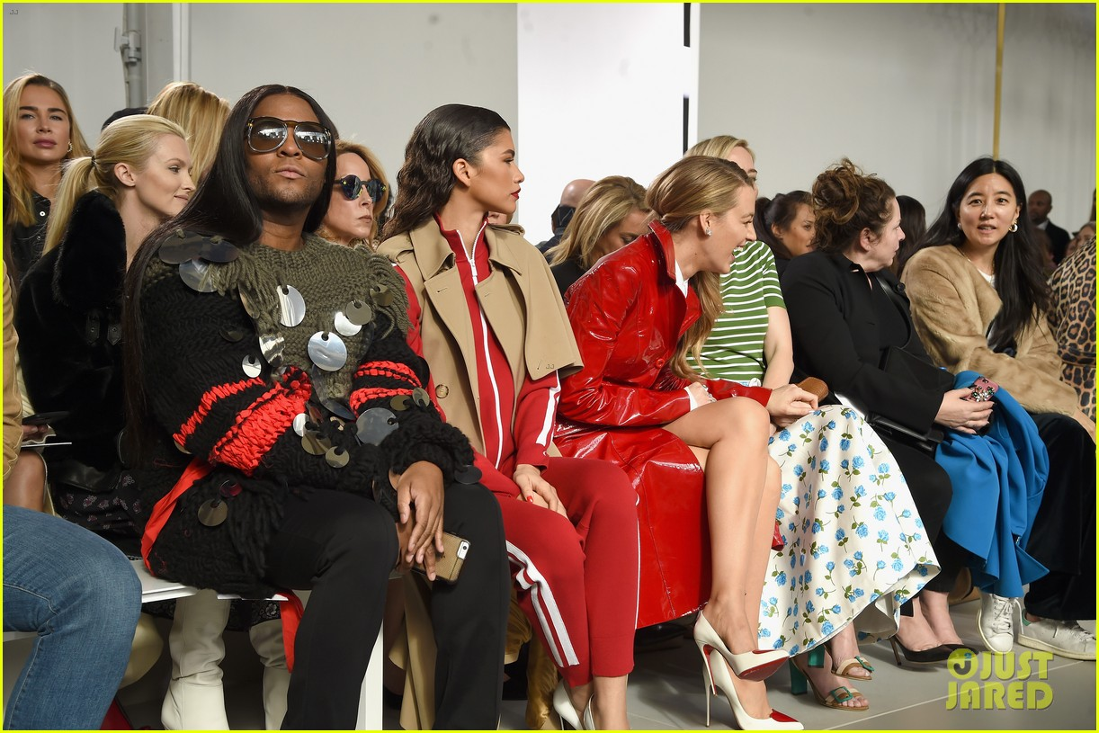 blake lively emily blunt zendaya buddy up at michael kors collection nyfw runway show 214032958