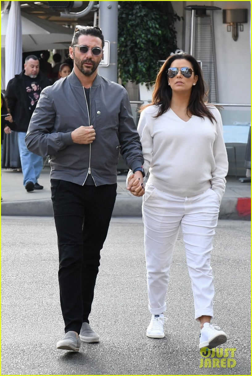 Pregnant Eva Longoria Amp Husband Jose Baston Couple Up For