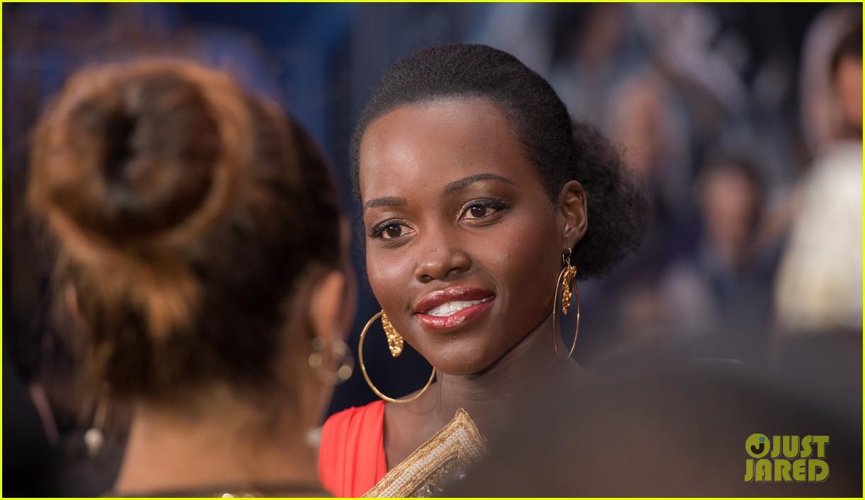 lupita nyongo danai gurira premiere black panther south africa 074034556