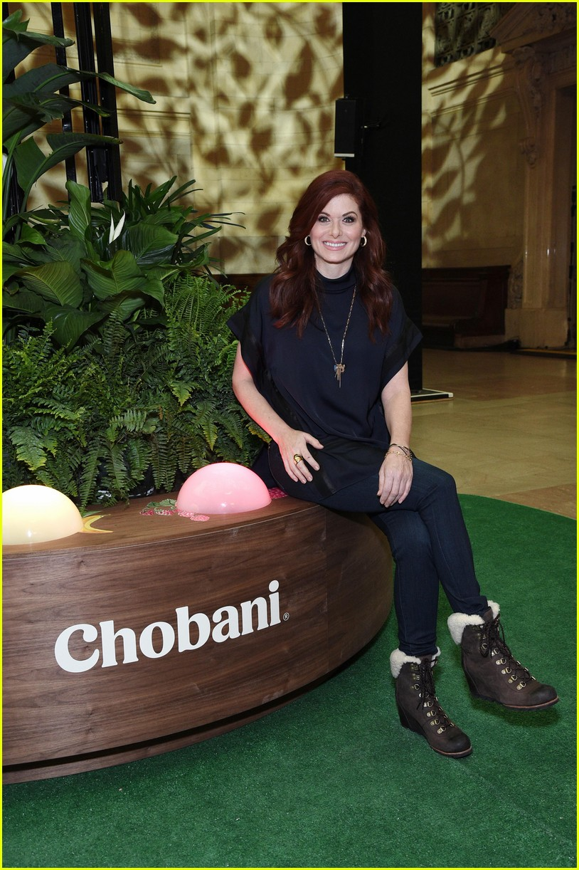 debra messing is all smiles at chobanis 10 year anniversary celebration 014031975