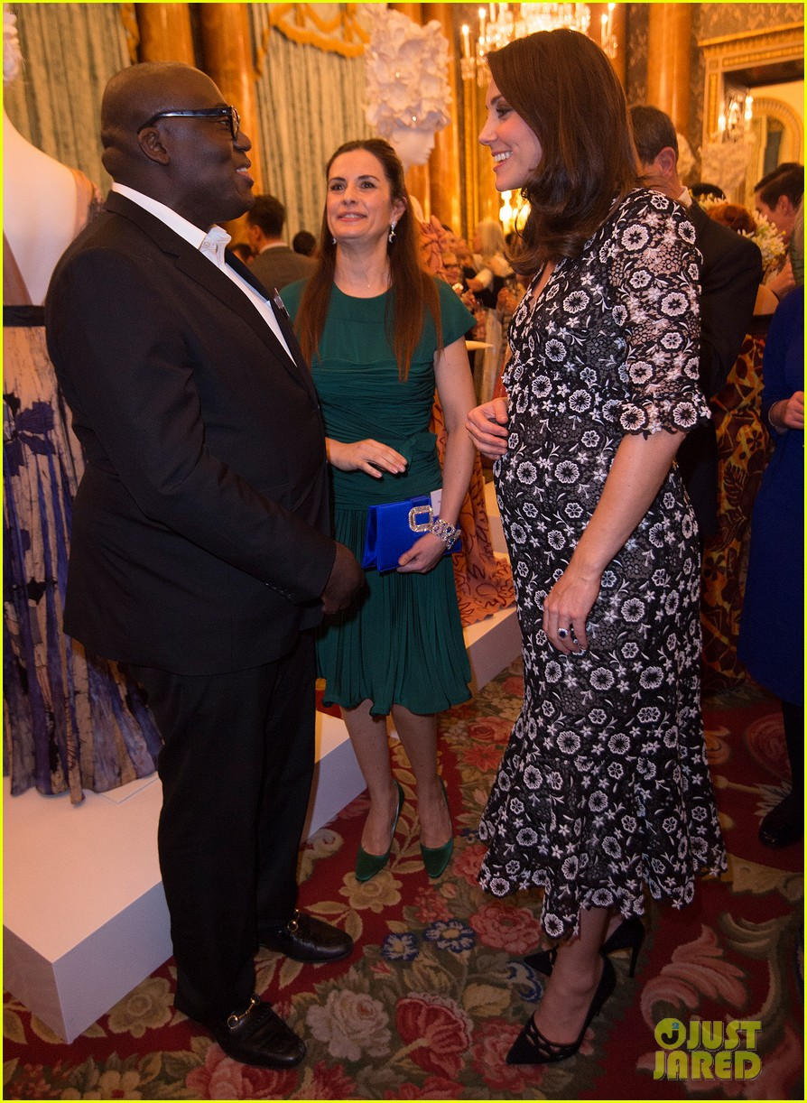 pregnant kate middleton attends fashion event at buckingham palace 034035690