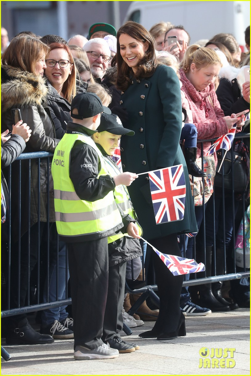 kate middleton prince william step out to support the arts in sunderland 014036605