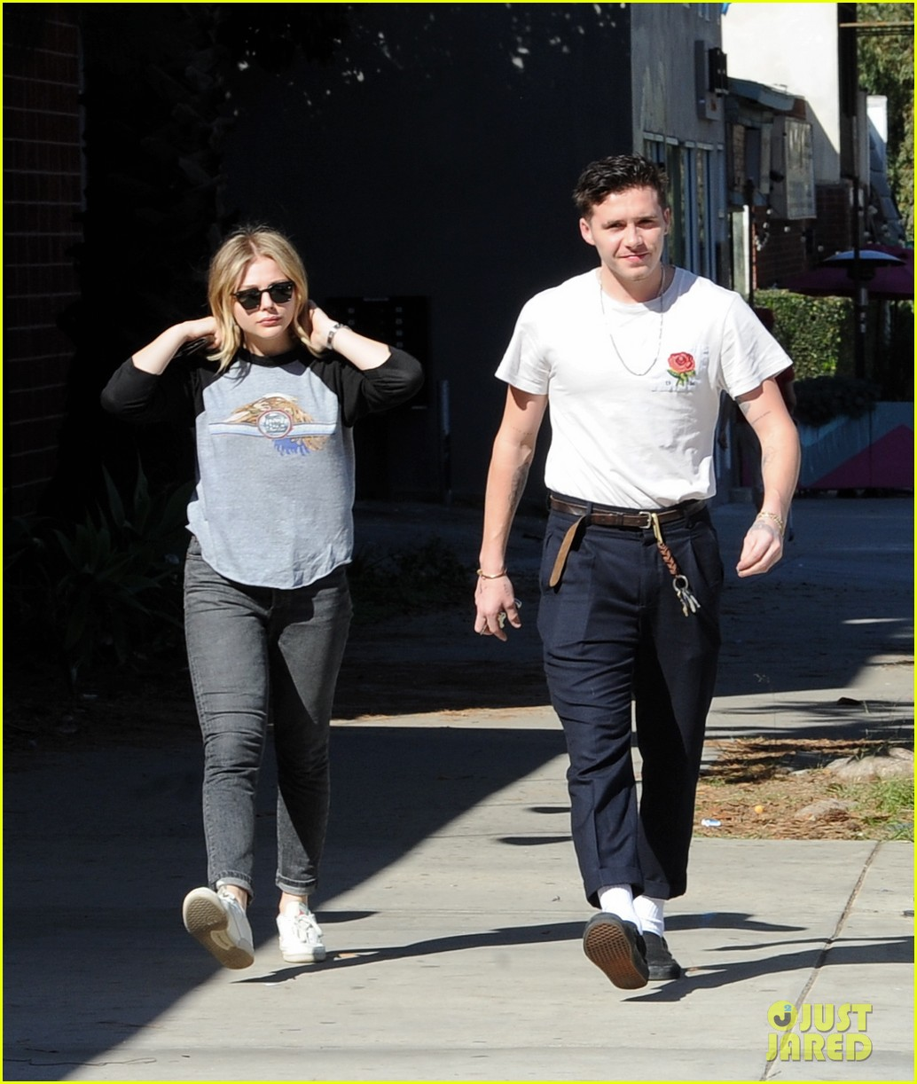 chloe moretz brooklyn beckham go casual for lunch date 014028030