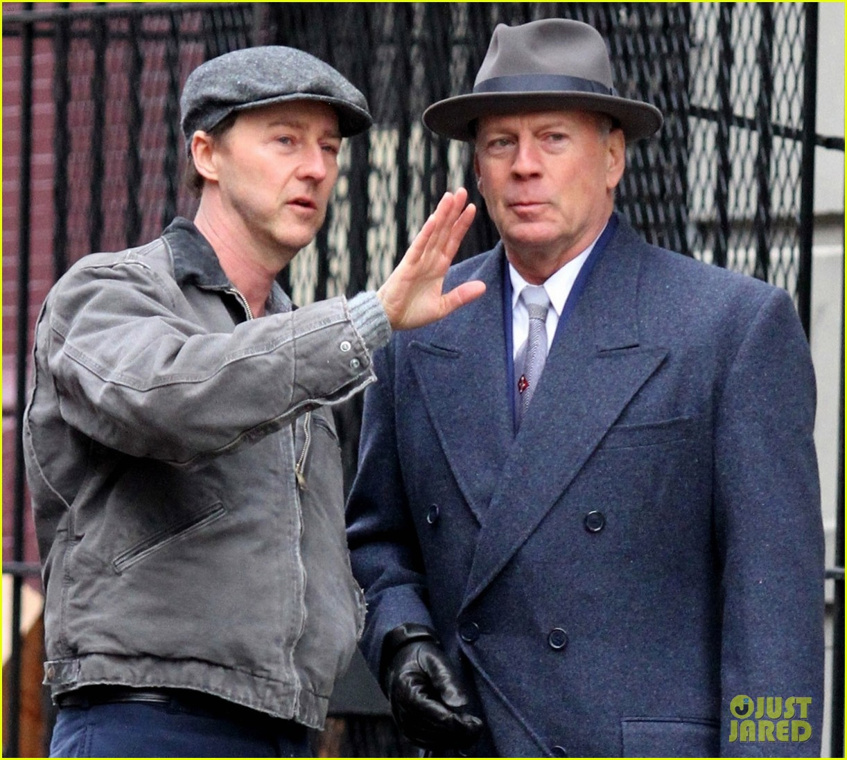 edward norton and bruce willis start filming motherless brooklyn 044028413