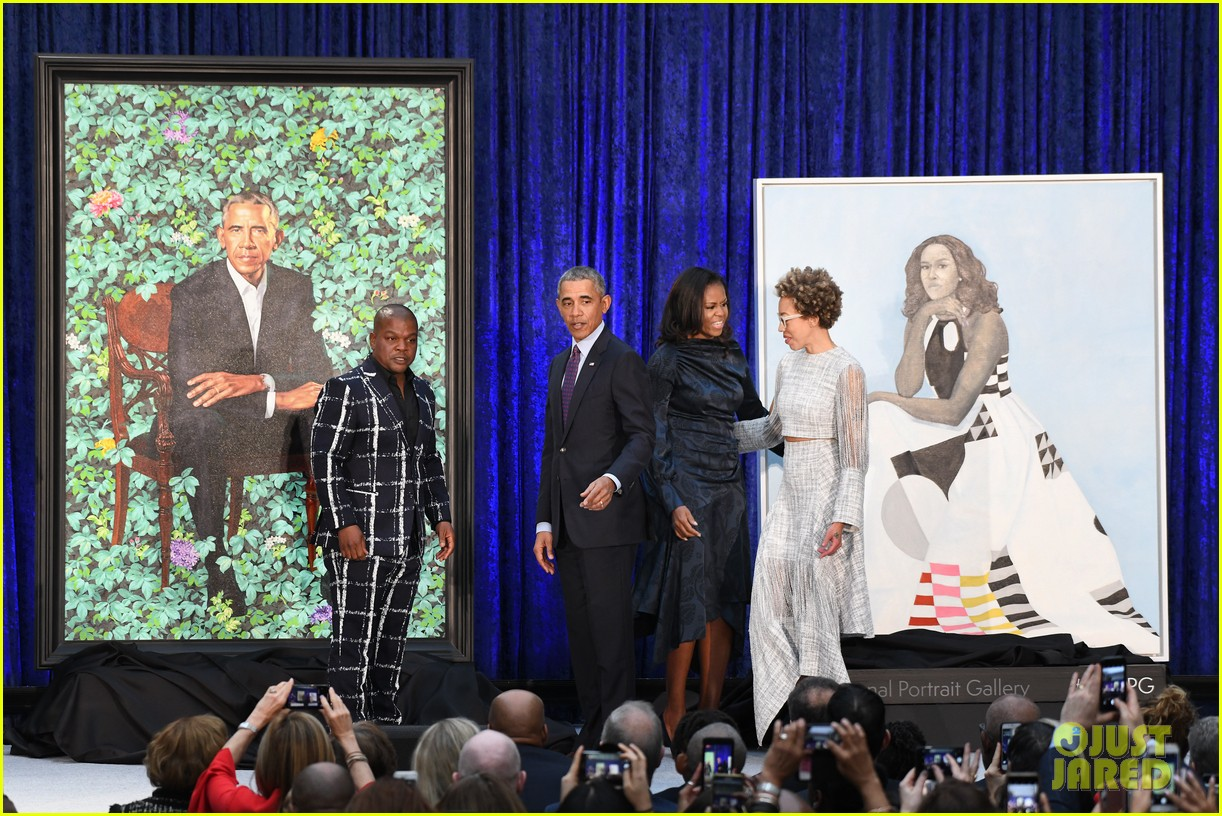 barack michelle obama unviel their official portraits at national portrait gallery 014031617