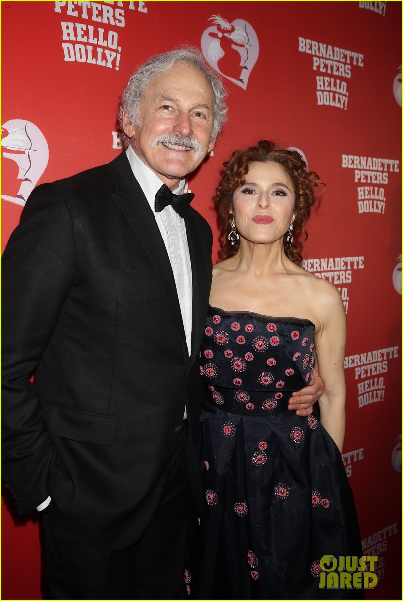 bernadette peters officially returns to broadway in hello dolly 044038009