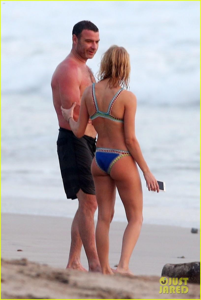 liev schreiber girlfriend taylor neisen hit the beach 034039412