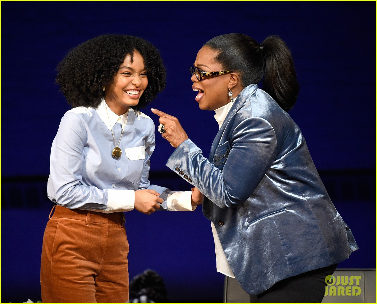 oprah winfrey calls yara shahidi one of the most profound 17 year olds alive 054030592