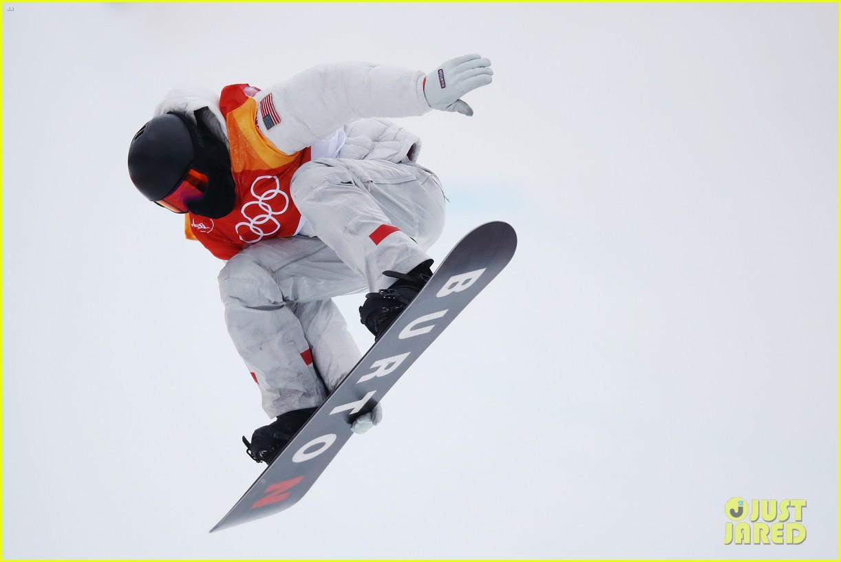 shaun white wins gold mens halfpipe winter olympics 054032591