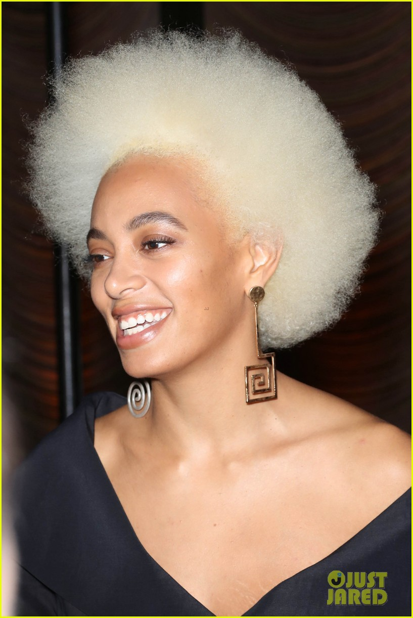 solange knowles shows off platinum blonde hair at stuart weitzman party 024030404