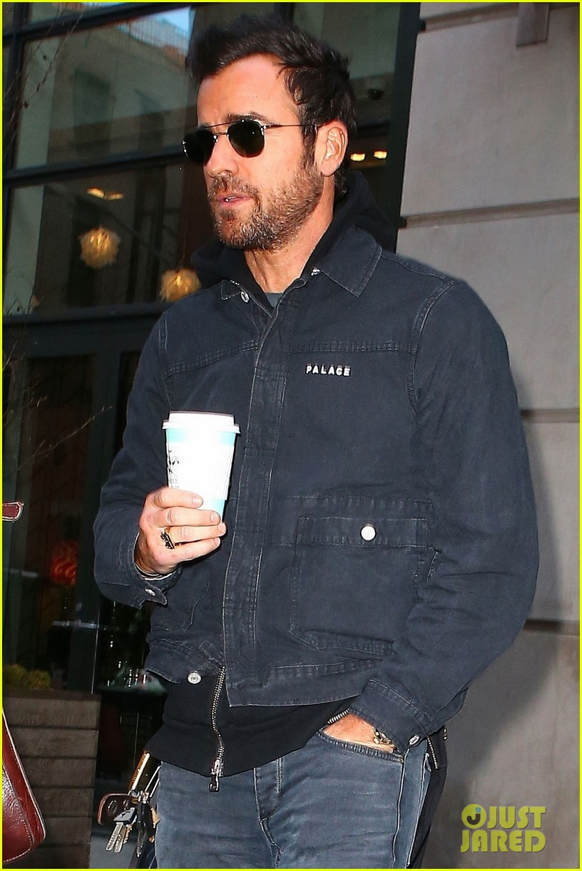 justin theroux out about nyc 024031892