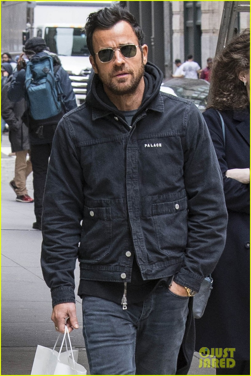 justin theroux out about nyc 064031896