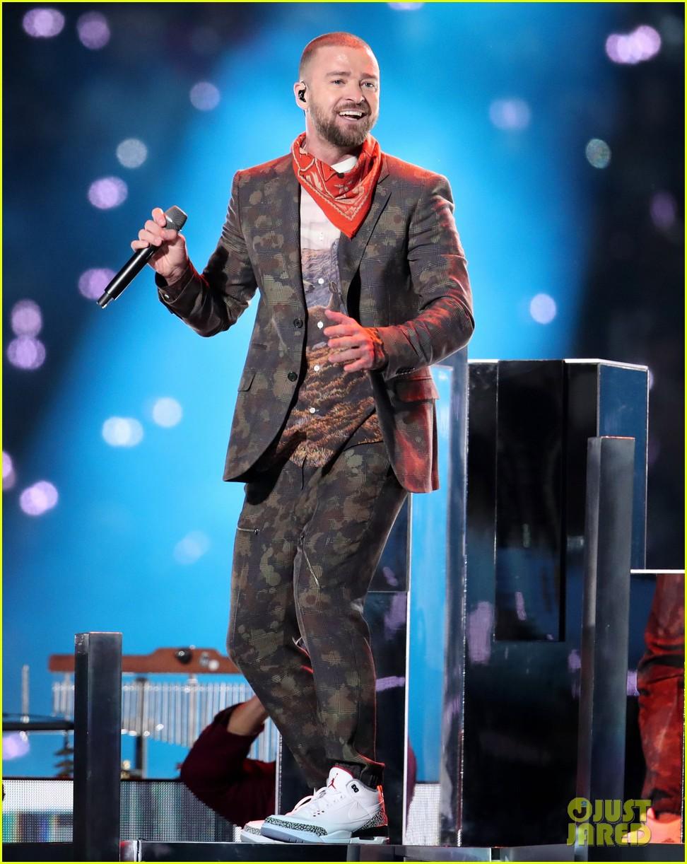 Critics slam Justin Timberlakes flat, bleak, meh