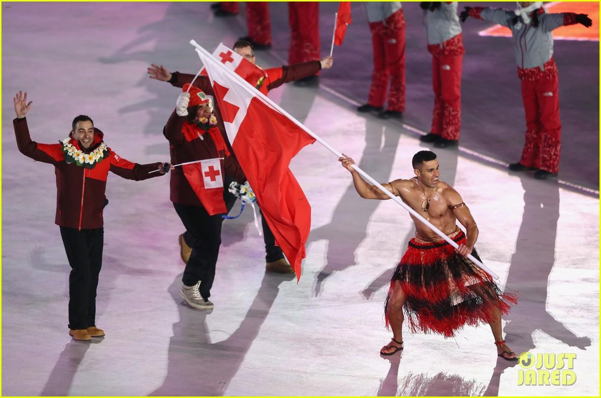 Tongan flag bearer Pita Taufatofua qualifies for Winter