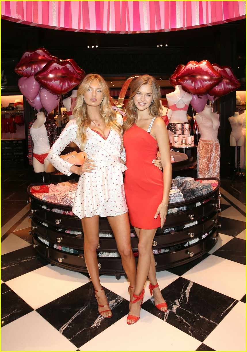 Victoria S Secret Angels Josephine Skriver Romee Strijd Celebrate
