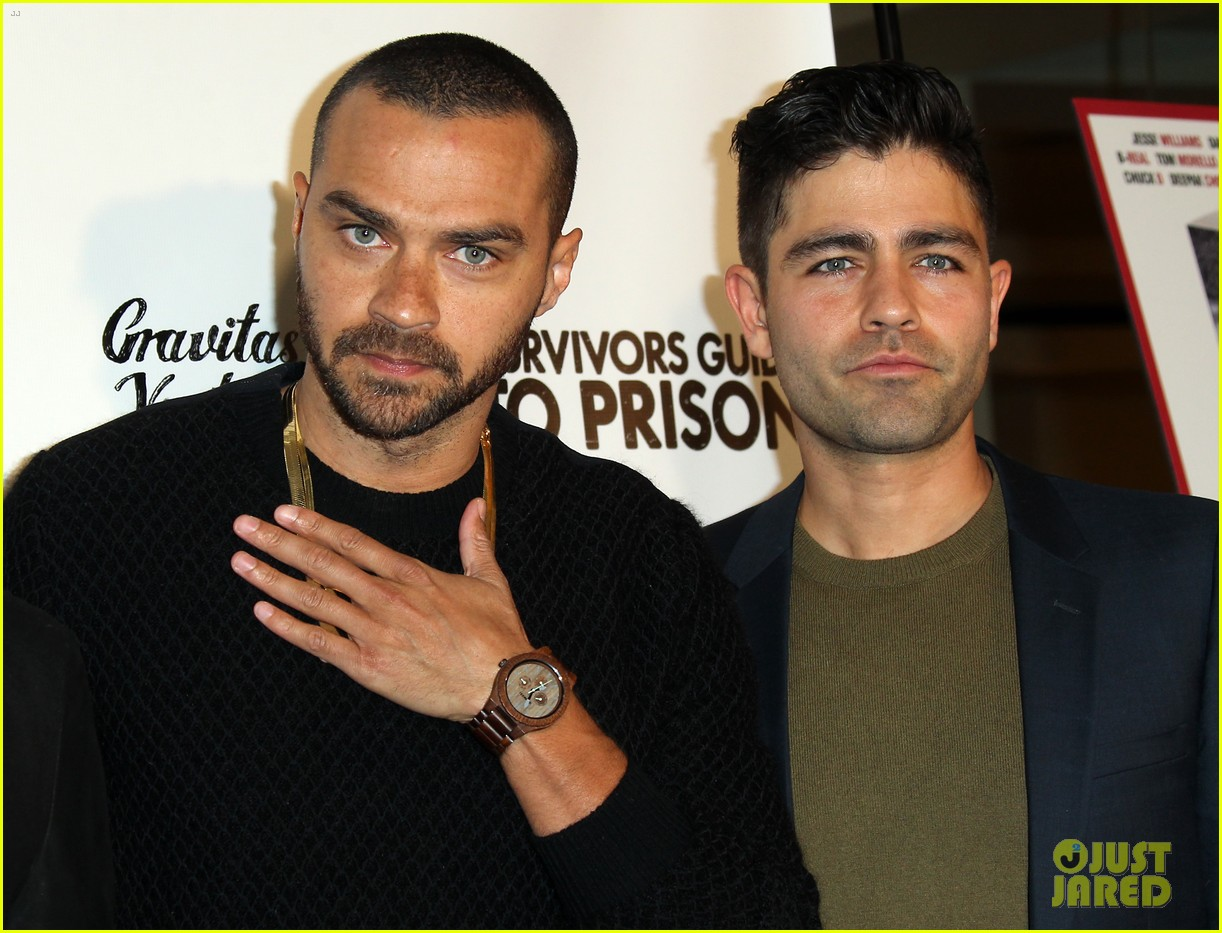 jesse williams adrian grenier buddy up at survivors guide to prison premiere 054036706