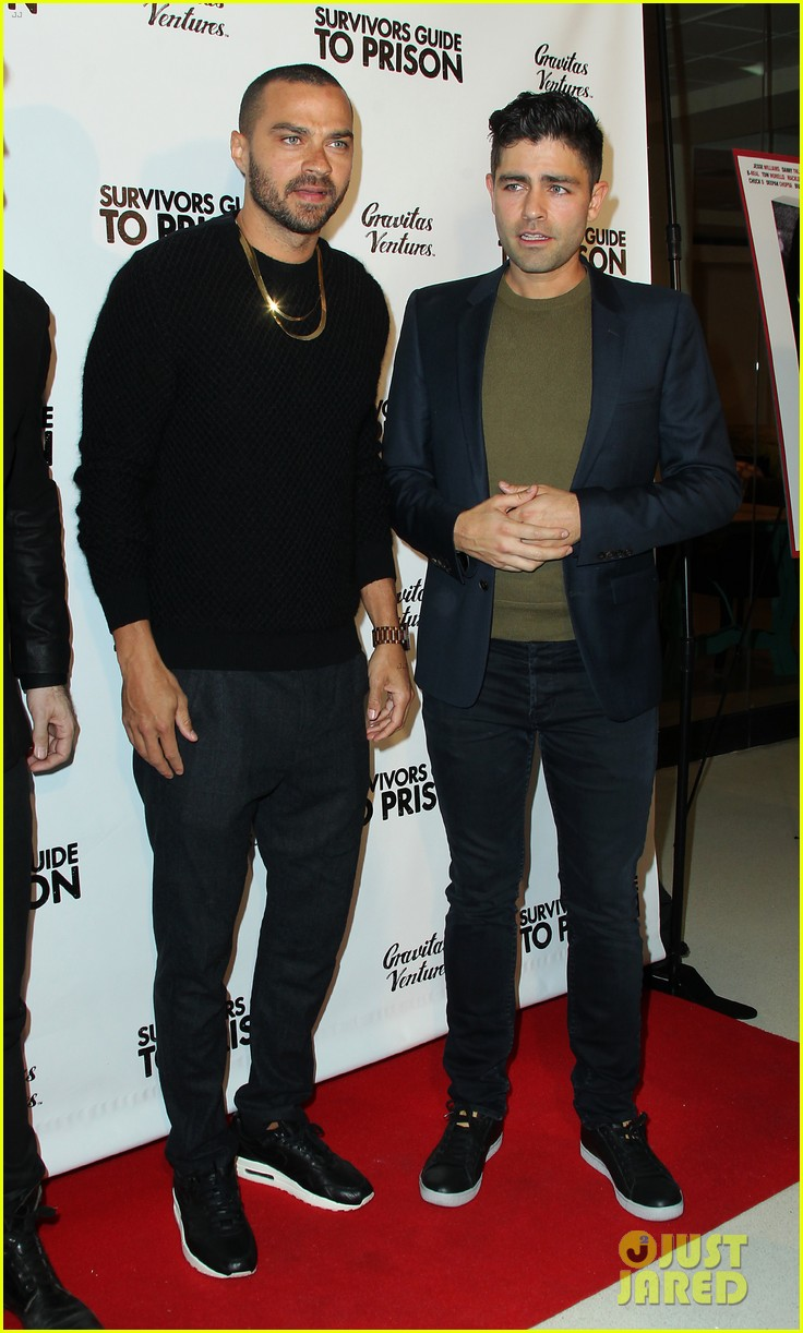 jesse williams adrian grenier buddy up at survivors guide to prison premiere 064036707