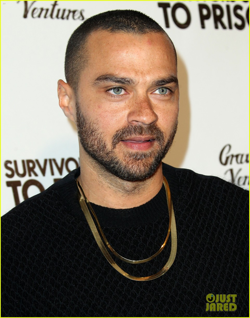 jesse williams adrian grenier buddy up at survivors guide to prison premiere 08