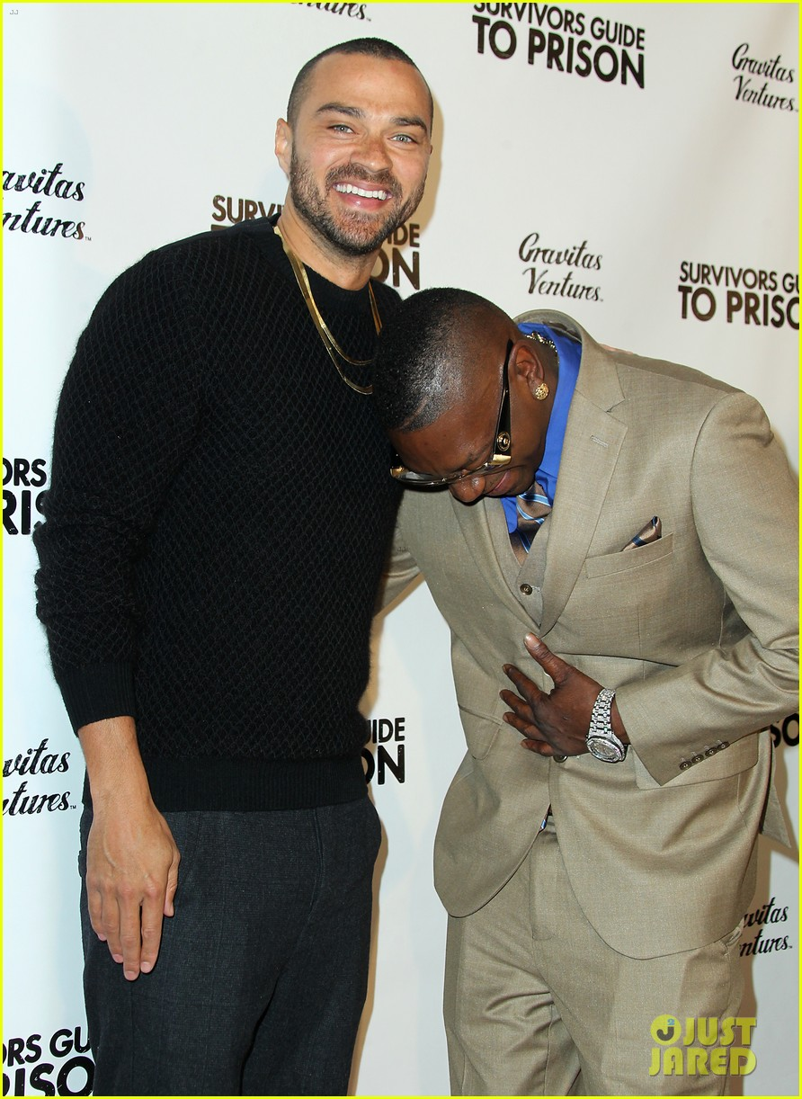 jesse williams adrian grenier buddy up at survivors guide to prison premiere 09