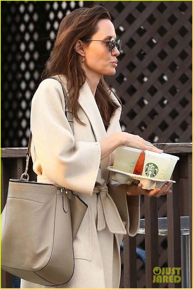 angelina jolie coffee march 2018 014050124