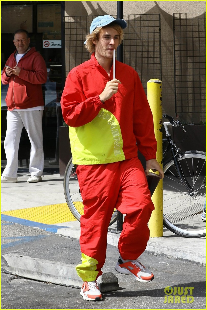 Bieber justin red pants forecasting dress in spring in 2019