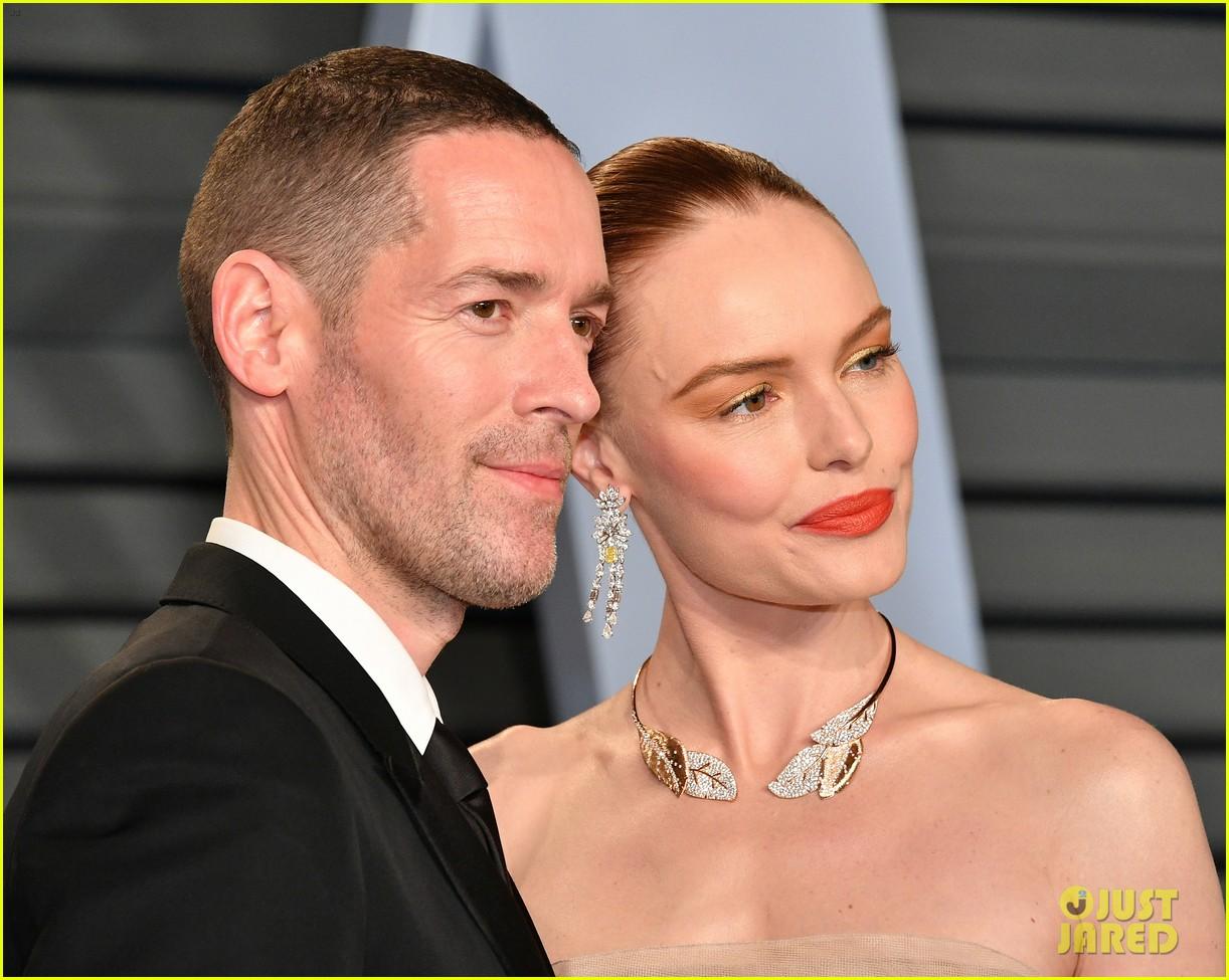 kate bosworth michael polish couple up at vanity fair oscars party 2018 134045910