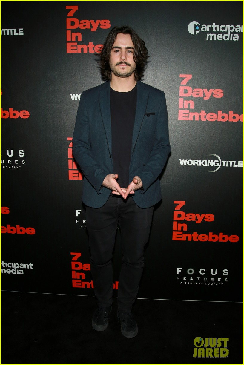 daniel bruhl suits up to bring 7 days in entebbe to nyc 024050096