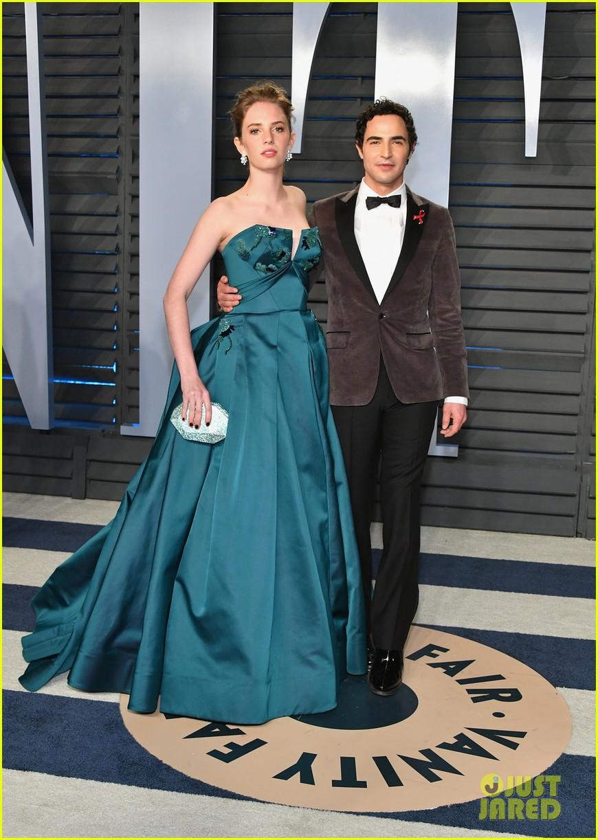 Phoebe Tonkin Kat Graham Camila Mendes Celebrate The Oscars At