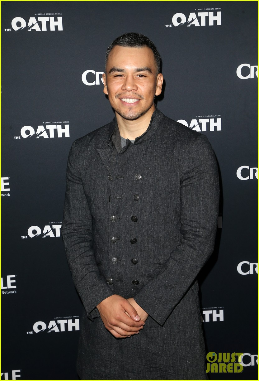 50 cent supports ryan kwanten the oath cast at l a premiere 17