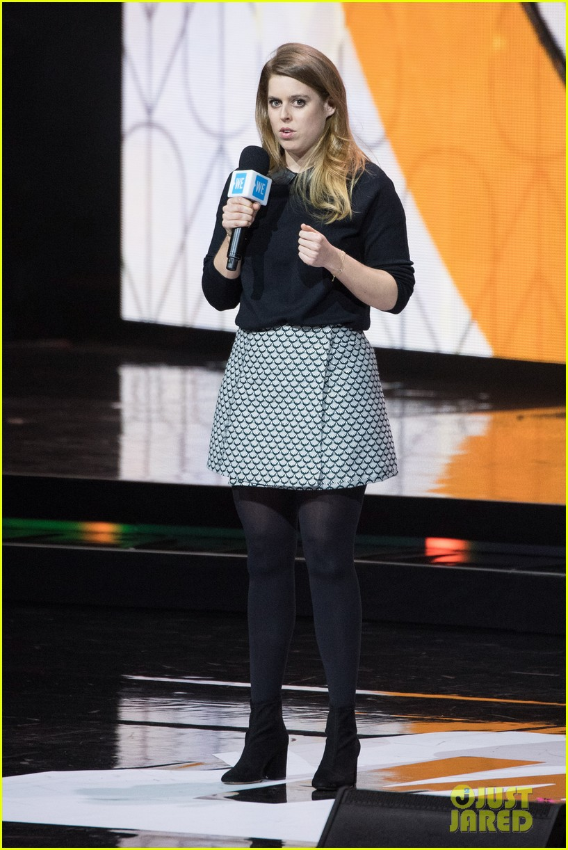 lily collins leads the pack at star studded we day charity concert 024047236