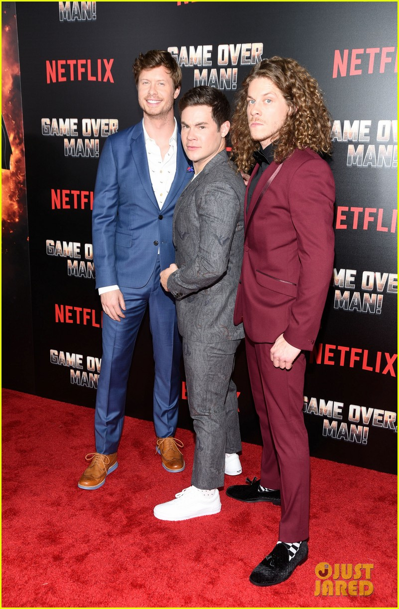 anders holm adam devine blake anderson premiere new netflix film game over man 014054096