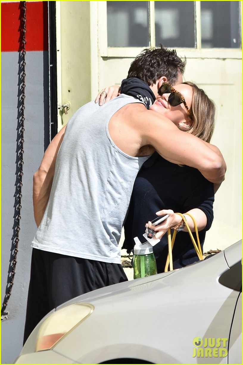 hilary duff gives her hunky trainer a hug goodbye 024047147