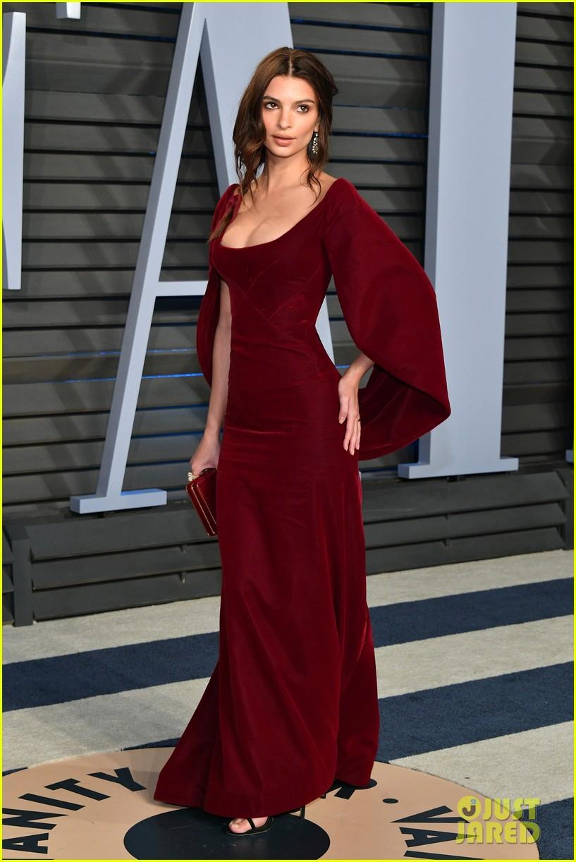 Emily Ratajkowski & New Husband Sebastian Bear-McClard Attend Vanity Fair's Oscars Party: Photo ...