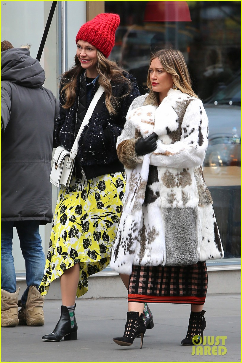 sutton foster hilary duff film younger 054057036