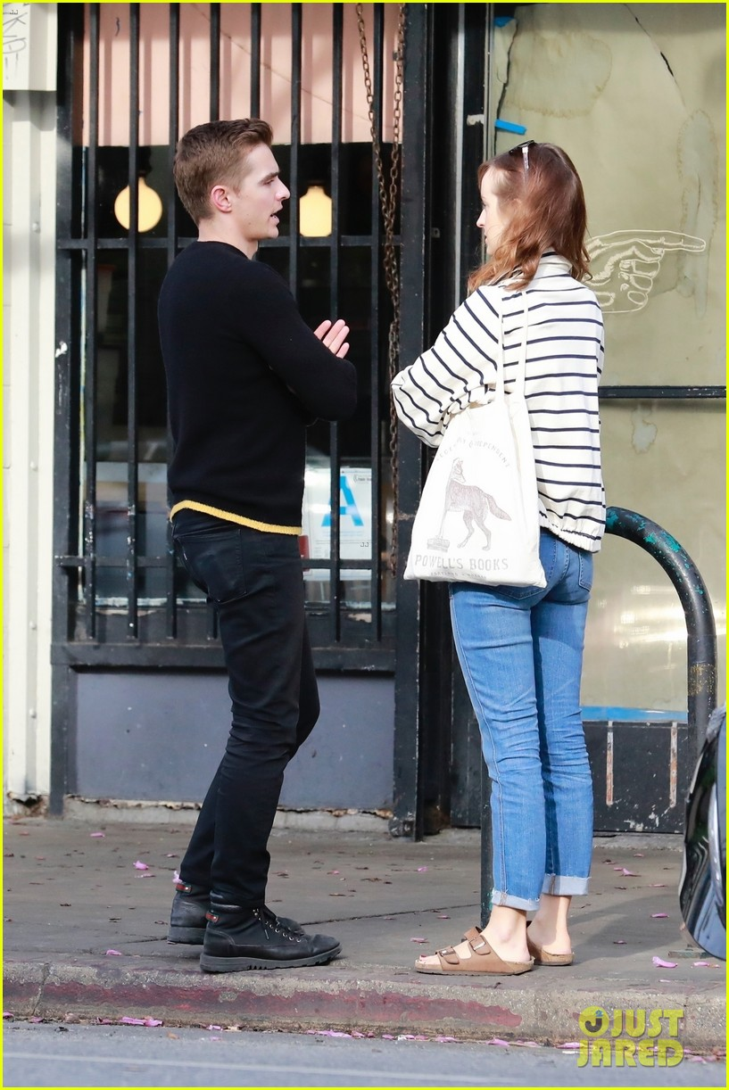 dave franco grabs lunch with his friend ahna oreilly 054053454