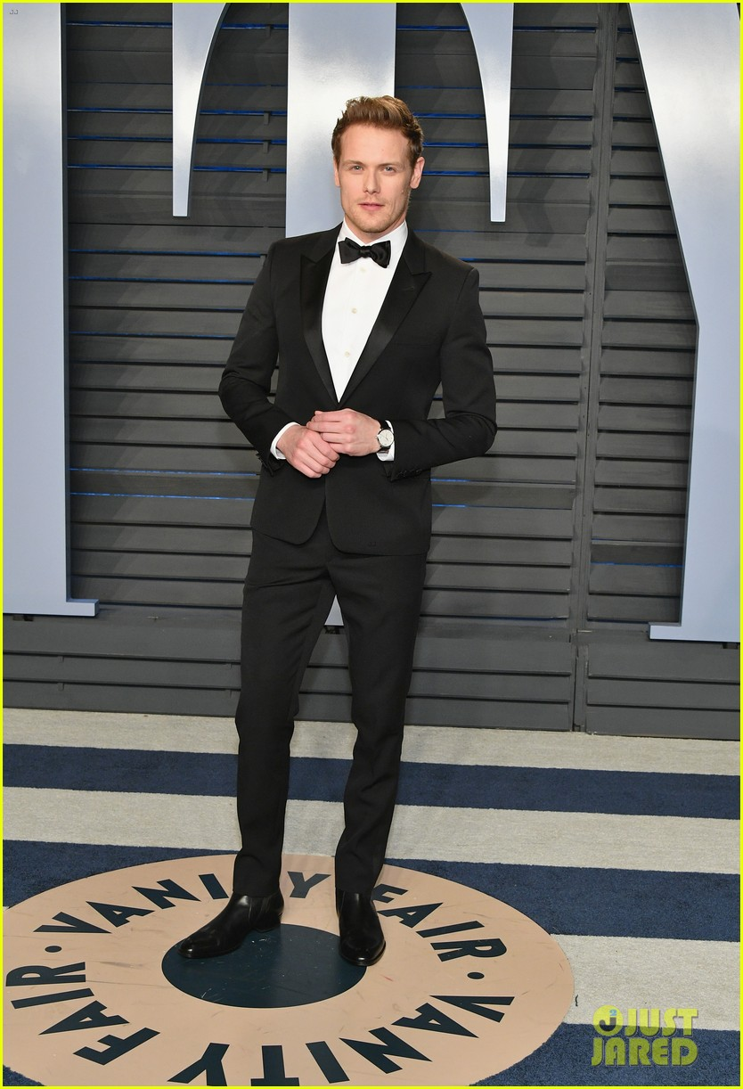 sam heughan mackenzie mauzy vanity fair oscars party 024045359