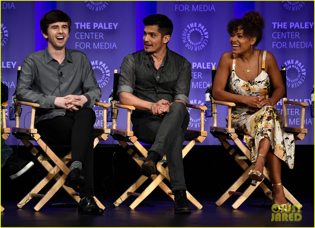 freddie highmore joins his good doctor co stars at paleyfest 014054927