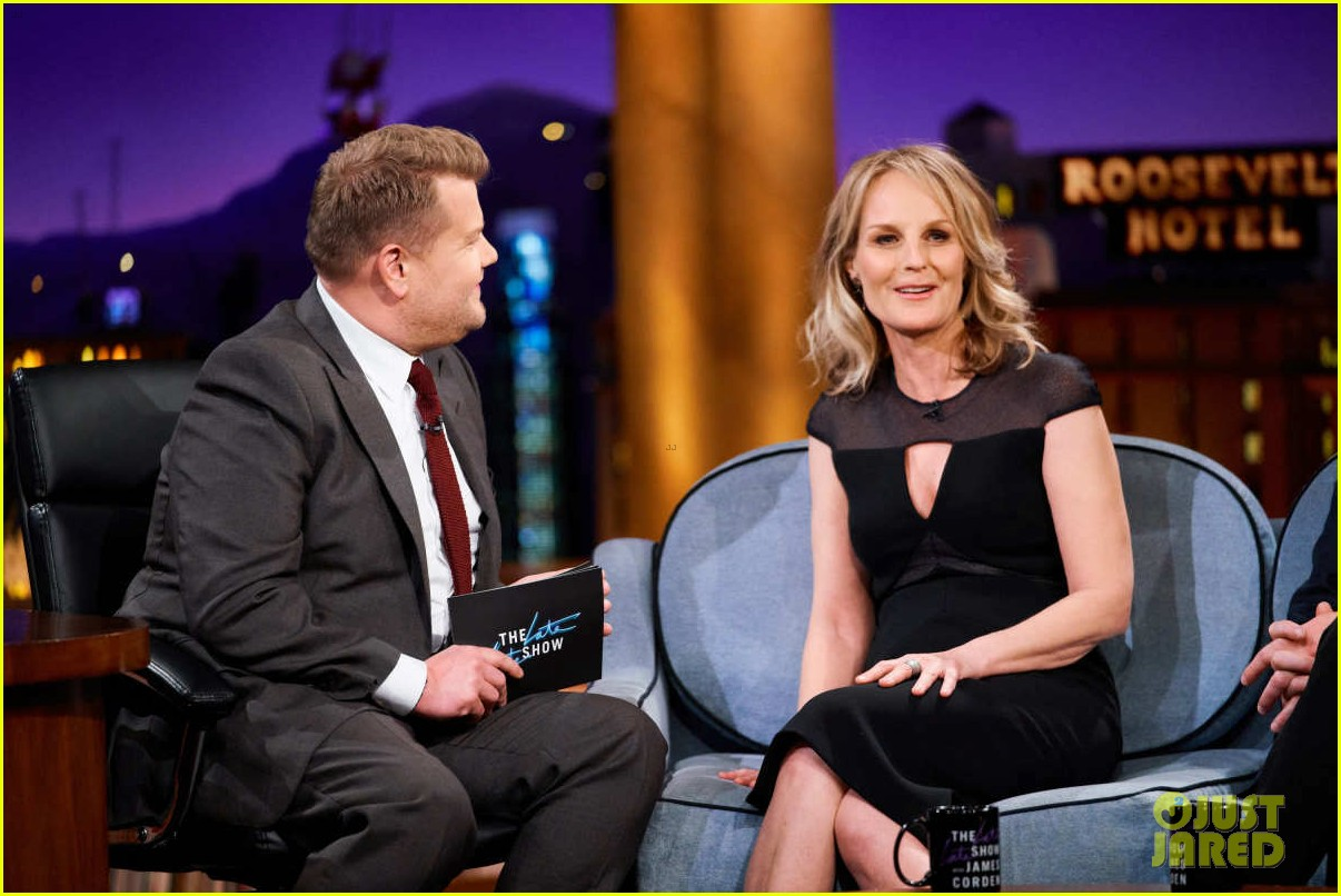 helen hunt gives update on possible mad about you reboot 034058111