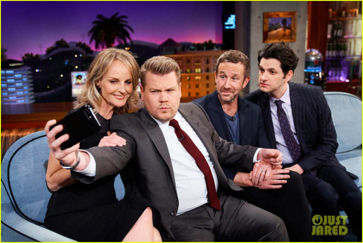 helen hunt gives update on possible mad about you reboot 054058113