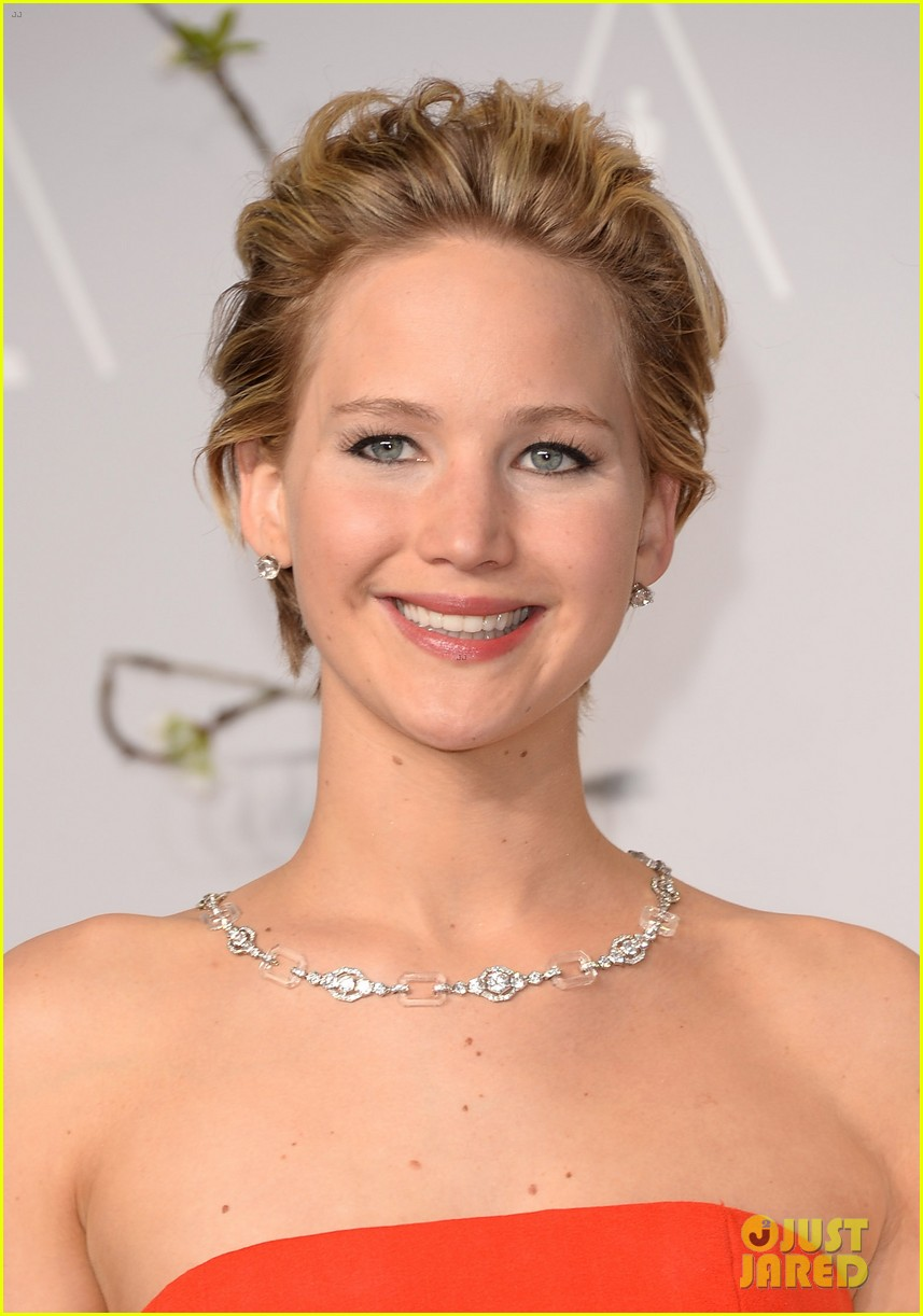 jennifer lawrence oscars fashion 214043658