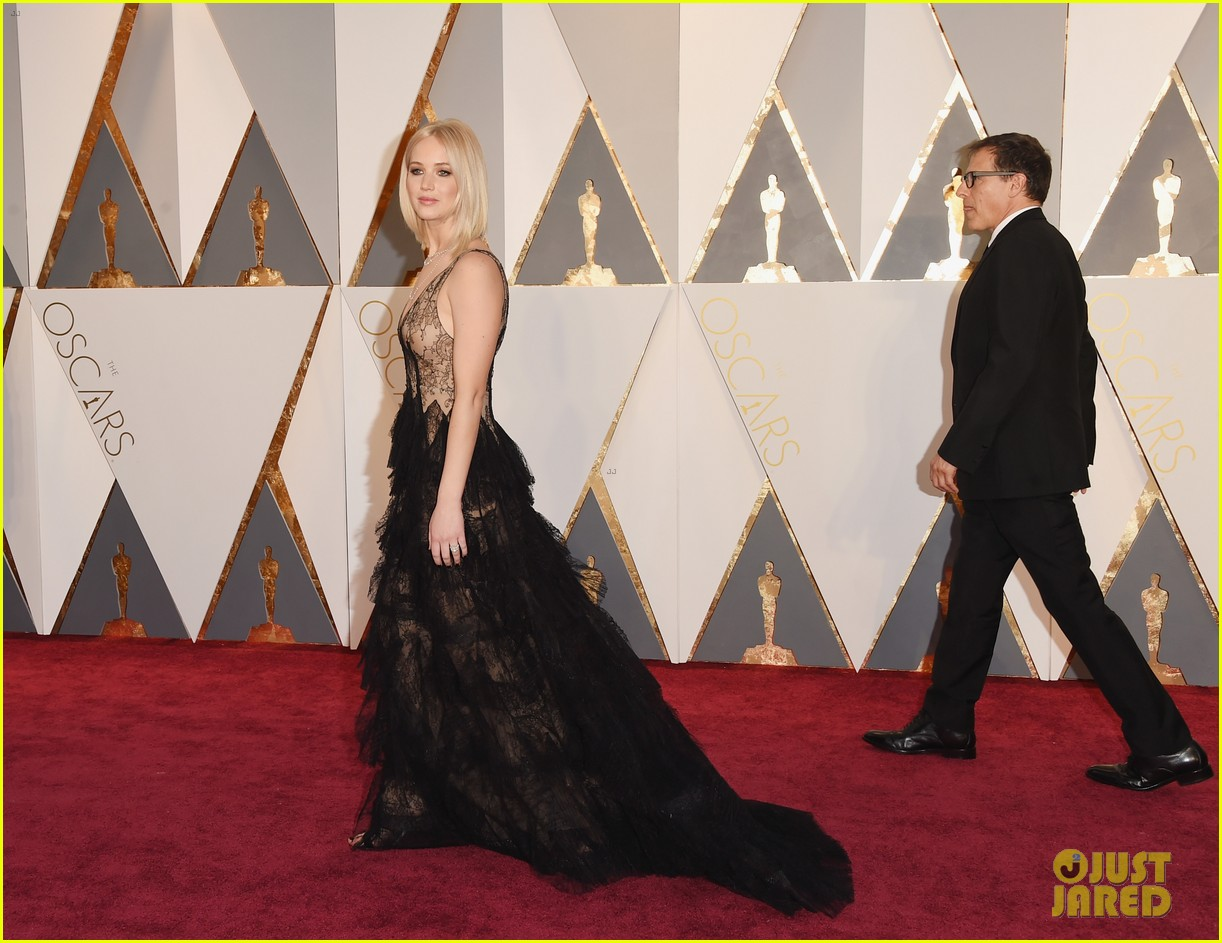 jennifer lawrence oscars fashion 244043661