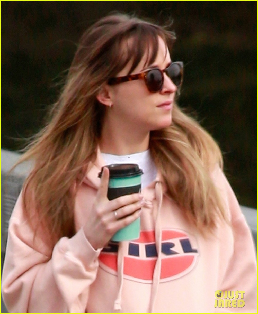 dakota johnson is in canada for new movie 024048144