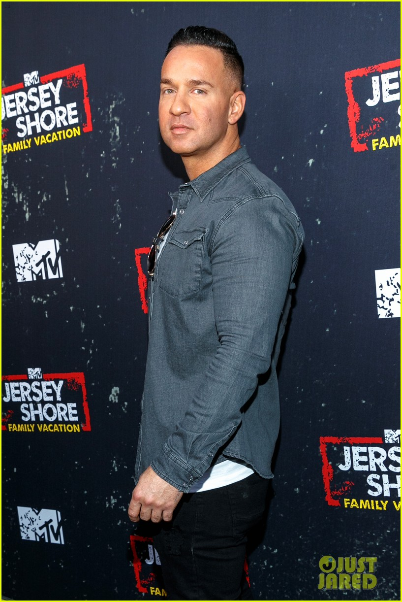 The Jersey Shore Cast Live It Up At Family Vacation