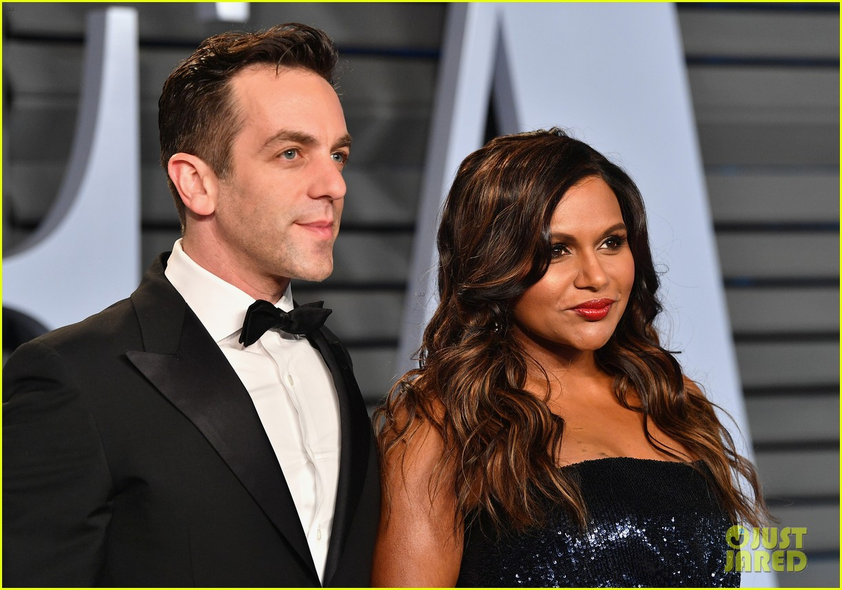 mindy kaling and bj novak have office reunion at vanity fair oscars party 044044851