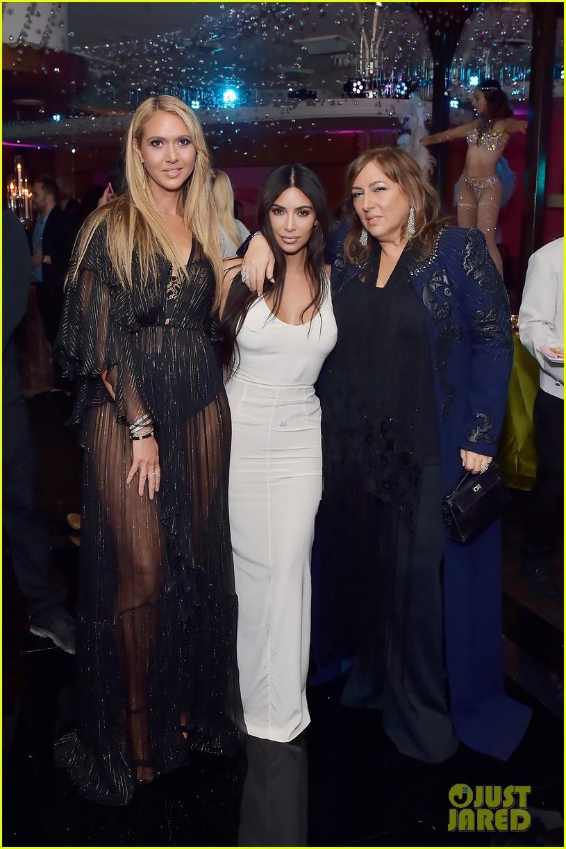 kim kardashian sofia vergara rita ora celebrate at lorraine schwartzs the eye bangles 084050562