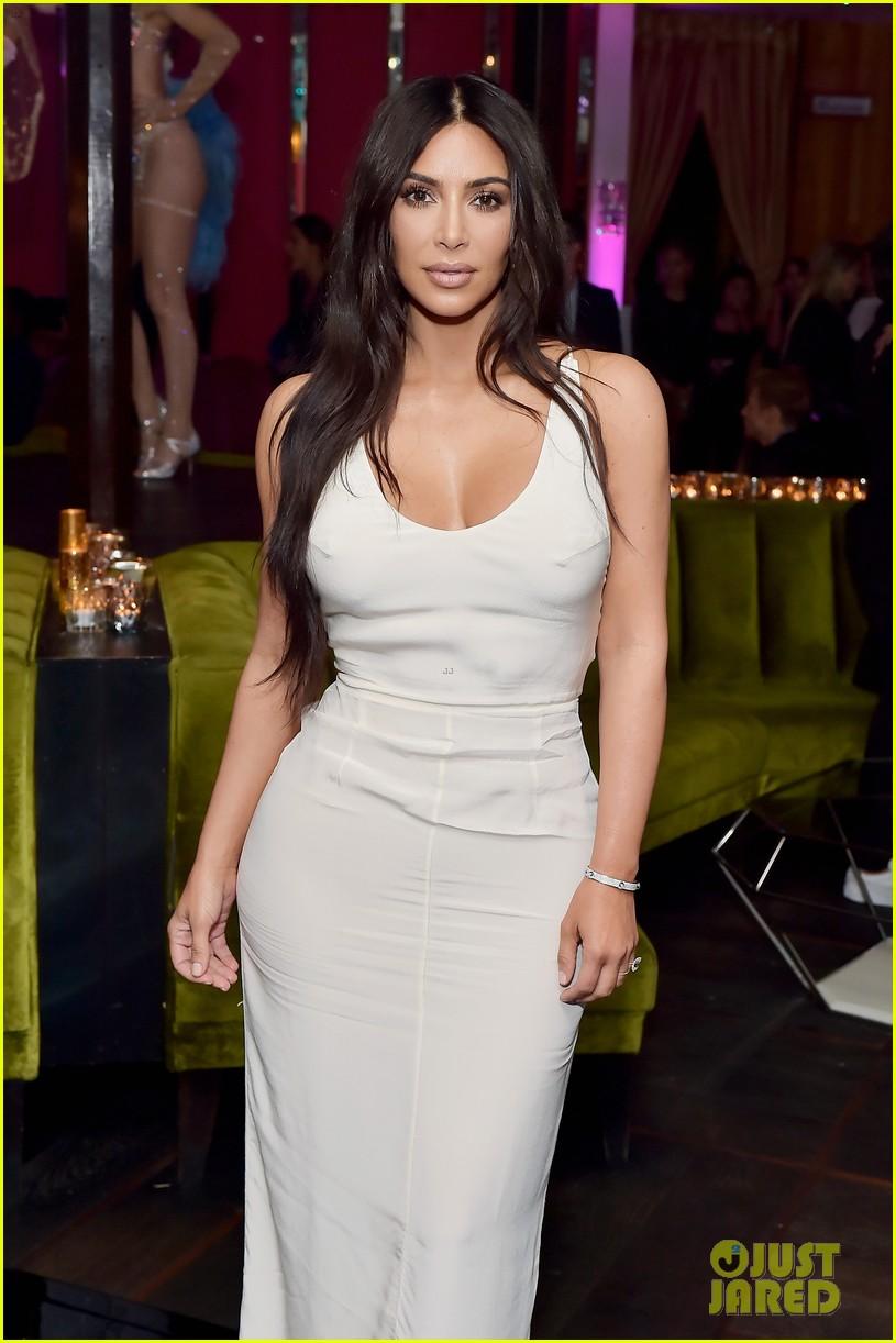 kim kardashian sofia vergara rita ora celebrate at lorraine schwartzs the eye bangles 614050615