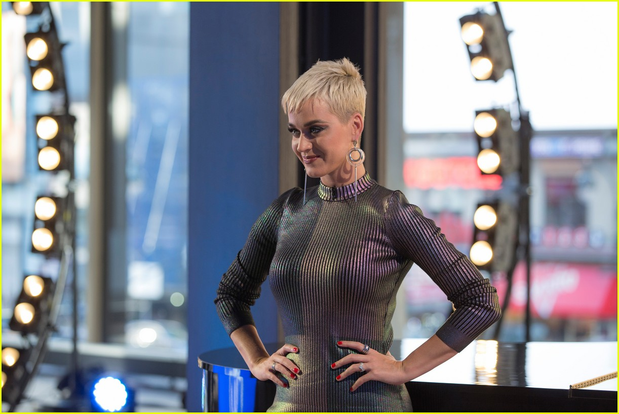katy perry has the hos for idol contestant trevor holmes 054049825