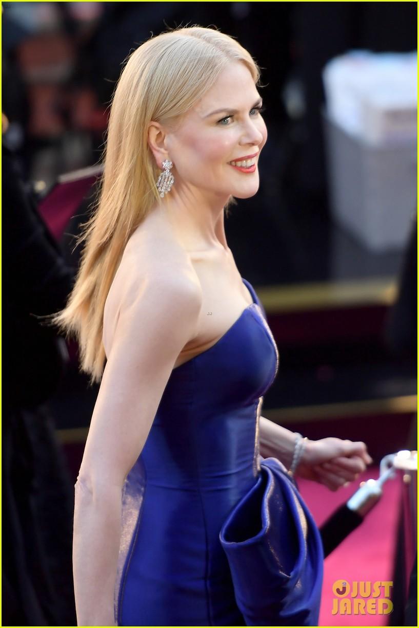 Nicole Kidman Wows In Armani Dress At Oscars 2018 Photo
